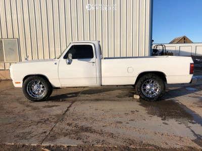 1989 Dodge D350 - 20x10 -24mm - Fuel Throttle - Stock Suspension - 305/55R20