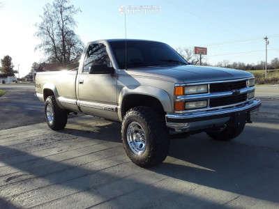 2000 Chevrolet K2500 - 16x10 -25mm - Pro Comp 69 - Stock Suspension - 285/75R16