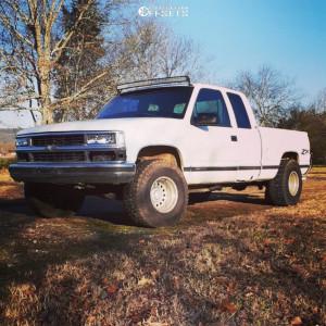 "1995 Chevrolet K1500 - 15x10 -46mm - Eagle Alloy Series 102 - Stock Suspension - 33"" x 12.5"""