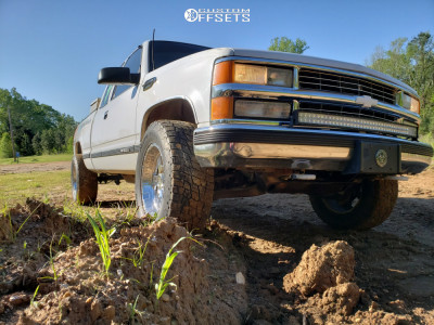 1998 Chevrolet K1500 - 18x9 -6mm - Pro Comp Series 89 - Stock Suspension - 285/65R18
