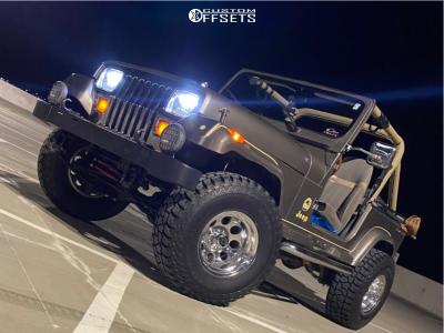 "1990 Jeep Wrangler - 15x10 -45mm - Mickey Thompson Classic Iii - Suspension Lift 2.5"" - 33"" x 12.5"""