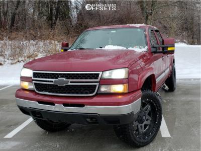 2007 Chevrolet Silverado 1500 Classic - 22x10 -12mm - Fuel Full Blown - Leveling Kit - 325/50R22