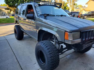 """1995 Jeep Grand Cherokee - 15x12 -63mm - Black Rock D Widow - Suspension Lift 6"""" - 33"""" x 12.5"""""""