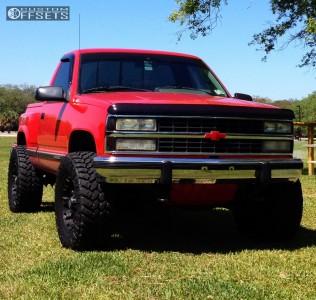 "1993 Chevrolet Silverado 1500 - 18x9 0mm - XD Misfit - Body Lift 3"" - 35"" x 12.5"""