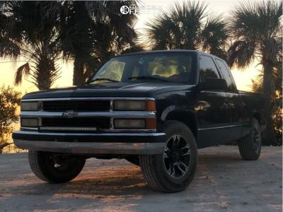 1995 Chevrolet C1500 - 17x9 0mm - Ultra Maverick - Stock Suspension - 245/70R17