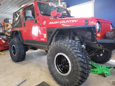 "1997 Jeep TJ - 15x8 -24mm - Method Double Standard - Suspension Lift 4.5"" - 35"" x 12.5"""