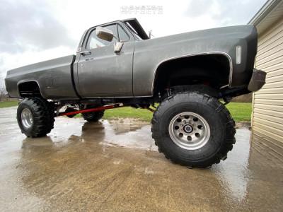 "1976 Chevrolet K20 - 16.5x10 -45mm - Mickey Thompson Classic - Suspension Lift 8"" - 38"" x 16.5"""