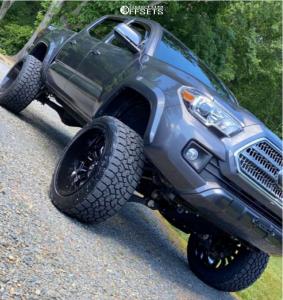 "2017 Toyota Tacoma - 22x12 -44mm - Fuel Sledge - Suspension Lift 6"" - 33"" x 12.5"""