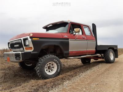 "1979 Ford F-150 - 15x8 -19mm - Pro Comp Series 82 - Suspension Lift 4"" - 33"" x 12.5"""