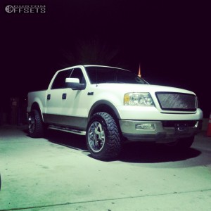 2004 Ford F-150 - 20x12 -44mm - Moto Metal MO962 - Leveling Kit - 305/55R20