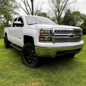 "2014 Chevrolet Silverado 1500 - 20x9 -12mm - Ultra Hunter - Suspension Lift 4.75"" - 33"" x 12.5"""