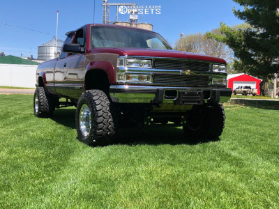 "1995 Chevrolet K2500 - 16x12 -50mm - Mickey Thompson Classic Iii - Suspension Lift 6"" - 33"" x 14.5"""