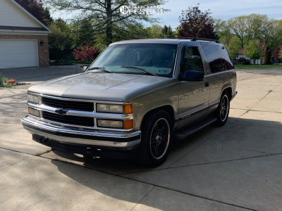 1999 Chevrolet Tahoe - 20x10 15mm - Euromax 515 - Lowered on Springs - 265/50R20