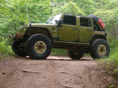 "2007 Jeep Wrangler - 17x9 -38mm - Spyderlock Beadlock - Suspension Lift 4.5"" - 40"" x 13.5"""
