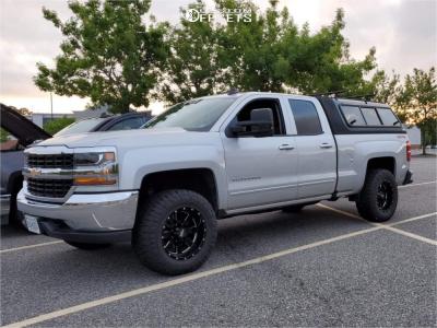 "2019 Chevrolet Silverado 1500 LD - 18x10 -24mm - Moto Metal Mo962 - Leveling Kit - 33"" x 12.5"""
