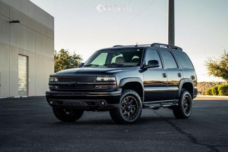 "2004 Chevrolet Tahoe - 18x9 20mm - Fuel Maverick D538 - Leveling Kit - 30"" x 60"""