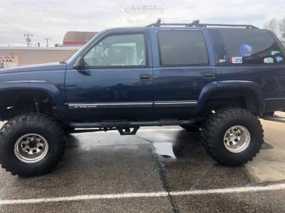 "2000 Chevrolet Tahoe - 15x12 -73mm - Mickey Thompson Classic Iii - Suspension Lift 9"" - 36"" x 13.5"""