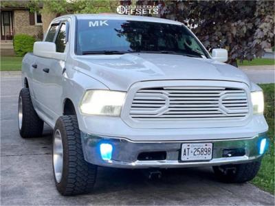 2017 Ram 1500 - 20x12 -43mm - Fuel Titan - Stock Suspension - 305/55R20