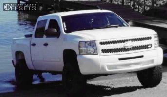 "2013 Chevrolet Silverado 1500 - 17x9 -12mm - Helo He791 - Suspension Lift 5"" - 285/70R17"