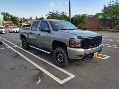 2008 Chevrolet Silverado 1500 - 17x9.5 -12mm - Black Rhino Arsenal - Leveling Kit - 285/70R17