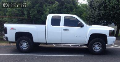 "2010 Chevrolet Silverado 1500 - 17x9 -12mm - Fuel Throttle - Suspension Lift 4"" - 285/70R17"