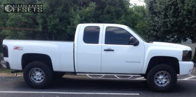 "2010 Chevrolet Silverado 1500 - 17x9 -12mm - Fuel Throttle - Suspension Lift 4"" - 33"" x 12.5"""