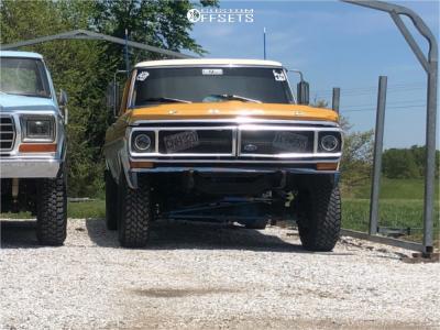 """1976 Ford F-100 - 17x10 -76mm - U.S. Wheel 78-5080R - Suspension Lift 2.5"""" - 33"""" x 12.5"""""""