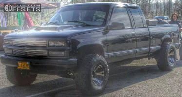 """1998 Chevrolet K1500 - 15x10 -44mm - Dick Cepek DC-1 - Stock Suspension - 33"""" x 12.5"""""""