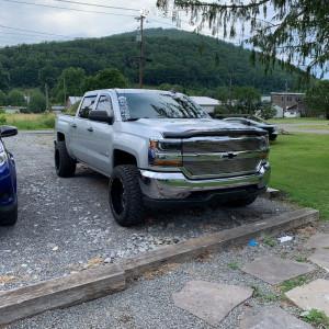 "2017 Chevrolet Silverado 1500 - 20x12 -44mm - TIS 544mb - Leveling Kit - 33"" x 12.5"""