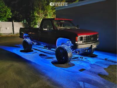 """1993 Chevrolet K2500 - 20x12 -44mm - Gear Off-Road Big Block - Suspension Lift 6"""" - 33"""" x 12.5"""""""