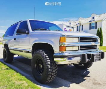 "1996 Chevrolet Tahoe - 15x8 -19mm - Trail Master Tm5 - Stock Suspension - 33"" x 12.5"""