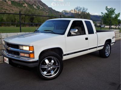 1994 Chevrolet K1500 - 22x9.5 15mm - 2Crave N04 - Stock Suspension - 305/45R22