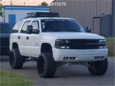 "2000 Chevrolet Tahoe - 24x14 -76mm - American Truxx Dna - Suspension Lift 6"" - 33"" x 14.5"""