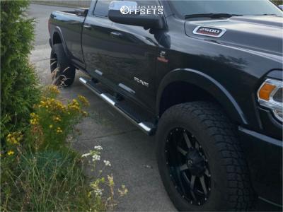 "2019 Ram 2500 - 20x10 -24mm - Fuel Maverick D538 - Stock Suspension - 35"" x 12.5"""