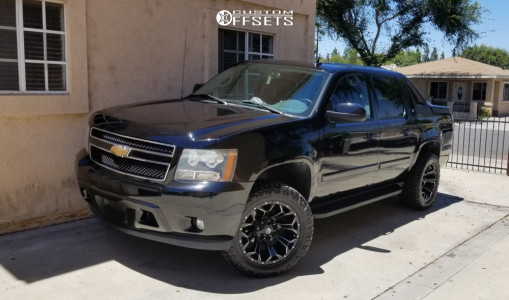 "2007 Chevrolet Avalanche - 20x10 -18mm - Fuel Assault - Leveling Kit - 33"" x 12.5"""