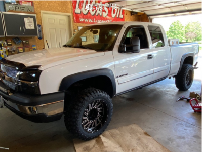 "2003 Chevrolet Silverado 1500 - 20x12 -44mm - Hardrock Crusher - Body Lift 3"" - 33"" x 12.5"""