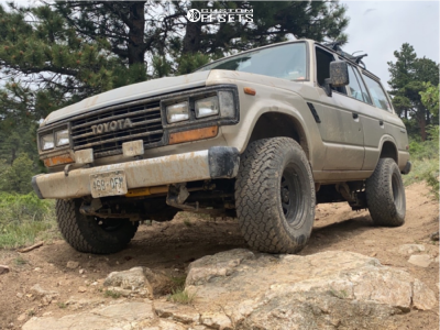 "1989 Toyota Land Cruiser - 15x8 -30mm - Pro Comp 51 - Suspension Lift 2.5"" - 31"" x 10.5"""