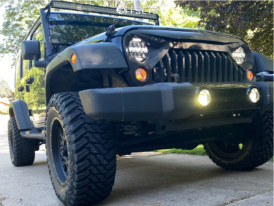 "2018 Jeep Wrangler JK - 18x9 -12mm - Vision Rocker - Suspension Lift 2.5"" - 33"" x 12.5"""