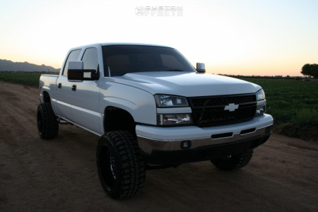 "2007 Chevrolet Silverado 1500 Classic - 20x12 -55mm - Hostile Jigsaw - Suspension Lift 6"" - 33"" x 12.5"""