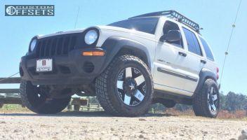 """2002 Jeep Liberty - 18x9 0mm - XD Rockstar - Suspension Lift 4"""" - 285/65R18"""