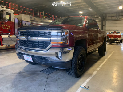 "2016 Chevrolet 1500 - 18x9.5 -19mm - Fuel Sledge - Suspension Lift 3.5"" - 35"" x 12.5"""