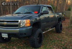 "2007 Chevrolet Silverado 1500 - 20x12 -44mm - Fuel Maverick - Suspension Lift 7.5"" - 35"" x 12.5"""