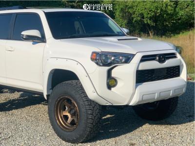 """2020 Toyota 4Runner - 17x10 -18mm - Fuel Shok - Leveling Kit - 33"""" x 11.5"""""""