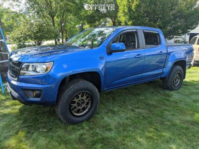 "2018 Chevrolet Colorado - 17x9 -12mm - DV8 Offroad 887 - Suspension Lift 2.5"" - 32"" x 10.5"""