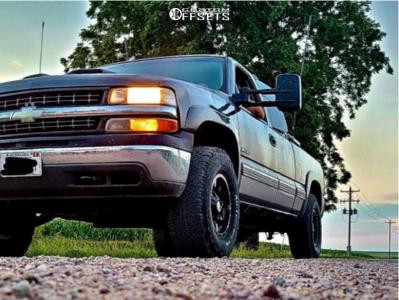 1999 Chevrolet Silverado 2500 - 16x8 0mm - Moto Metal Mo970 - Stock Suspension - 285/75R16
