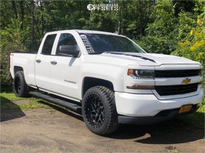 "2016 Chevrolet 1500 - 20x10 -18mm - Moto Metal Mo985 - Stock Suspension - 32"" x 10.5"""