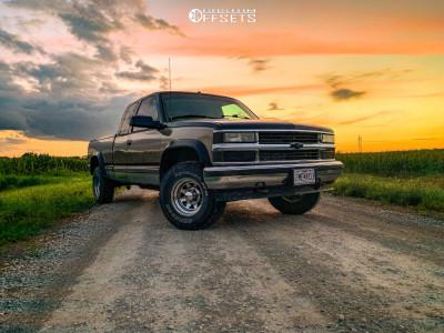 "1997 Chevrolet K1500 - 15x7 -6mm - Cragar 315 - Leveling Kit - 30"" x 9.5"""