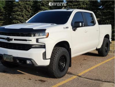 "2020 Chevrolet Silverado 1500 - 17x9.5 -18mm - Black Rhino Arsenal - Leveling Kit - 33"" x 12.5"""