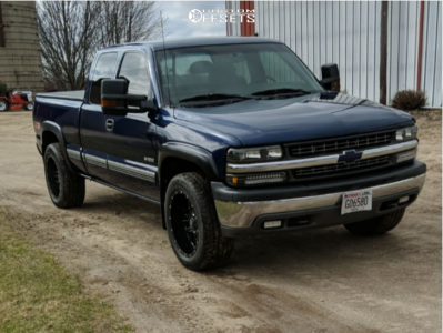 "2000 Chevrolet Silverado 1500 - 20x10 -24mm - XD Grenade - Stock Suspension - 31"" x 10.5"""