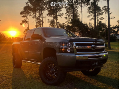 "2009 Chevrolet Silverado 1500 - 20x10 -24mm - Fuel Maverick D538 - Suspension Lift 6"" - 35"" x 12.5"""